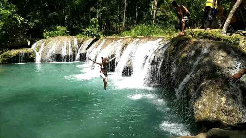 Cambugahay Falls Jump Ninja Jump